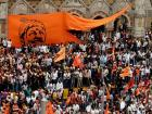 Maratha Kranti Morcha: Over 3 lakh protesters throng Mumbai; CM Fadnavis promises reservations