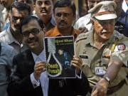 Should Gandhi's India support the death penalty for Kasab?