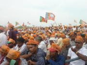 Too many seats not enough candidates? BJP resorts to poaching in Maharashtra