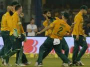 India v South Africa: Unruly fans in Cuttack hurl water-bottles as India slump to series defeat