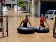 Floods affect normal life, render people homeless across India