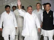Samajwadi Party feud: Mulayam's word no longer law in UP, time for a new face