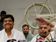 Samajwadi Party crisis: Mulayam backs Shivpal, shows Akhilesh Yadav who's the boss