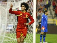 Fellaini faces long Man Utd absence after wrist surgery