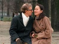 Woody Allen's friends question timing of Dylan Farrow's allegations