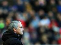 Mourinho fined 10,000 pounds over referee comments after key defeat