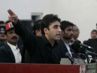 Bottles, tomatoes and eggs: Crowd boos Bilawal Bhutto at Kashmir rally in London