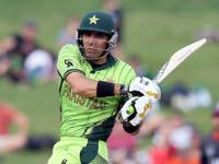 Misbah-ul-Haq to play in Bangladesh Premier League