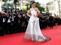 Sonam Kapoor, Bollywood's first lady of fashion turns 30; B-town wishes her on Twitter