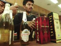 SC nod to Kerala's liquor policy draws mixed reactions; govt is 'happy', bar owners are not
