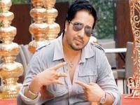 From slapping a fan to kissing Rakhi Sawant, here are Mika Singh's many controversies