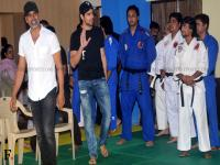 Brothers of Self-defence: Akshay Kumar, Siddharth Malhotra visit women's defense center