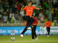 Woakes stars in Super Over as England whitewash Pakistan in T20s