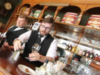 Pubs vanish as British men spend more time with their families