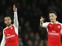 EPL: Walcott, Ozil shine as Arsenal steal march on Manchester City at Emirates