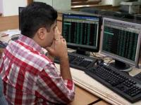 Sensex retreats after 4-session surge; ends 285 pts down on weak global cues
