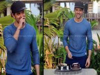 <b>Hrithik</b> <b>Roshan</b> turns 42! The actor celebrates his birthday with cakes, media people