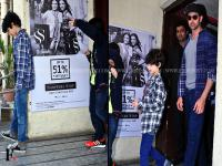 <b>Hrithik</b> <b>Roshan</b> spotted with his kids at Juhu in Mumbai
