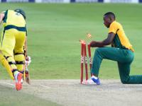 Record Warner-Maxwell partnership takes Australia to last-ball win over South Africa
