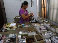 Under pressure, India agrees to stop issuing licences for making cheap drugs