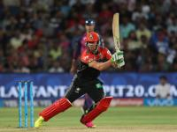 AB de Villiers' vintage show helps Royal Challengers Bangalore buck the trend and defend 185