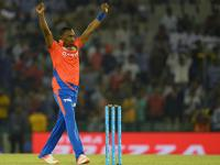 IPL 2016: Constantly-evolving Dwayne Bravo is the fittest to survive era of big-hitters
