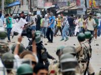 Kashmir needs political dialogue, govt should reach out to the people of the Valley
