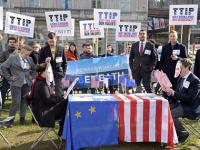 US-EU debate if trade pact's private arbitration system stops nations from legislating in public interest