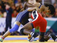 India's female wrestler Vinesh Phogat disqualified from Rio qualifiers for being overweight