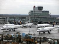 Nearly 400 flights in Germany cancelled amid government workers' protest
