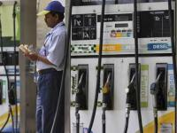 Petrol pumps versus banks: The mess shows it is utopian to force a cashless life
