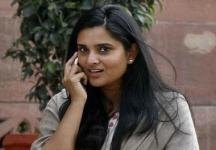 Ramya attacked with eggs by VHP, Bajrang Dal activists in Mangalore for pro-Pakistan remark