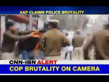 Police brutality: Delhi cops beat up students, including girls, protesting over Rohith Vemula's death