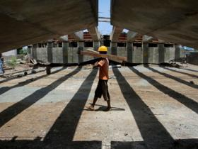 India's full year GDP revised upwards to 7.6 percent; economists skeptical