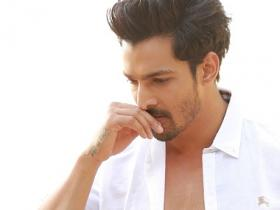 Outsider no more: Harshvardhan Rane makes an impressive debut in 'Sanam Teri Kasam'