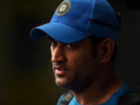 Dhoni sends legal notice to Hindi daily, threatens Rs 100 cr defamation suit over match-fixing allegations
