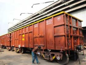 Railways rationalises coal freight to offset falling volumes; long-distance rate cut