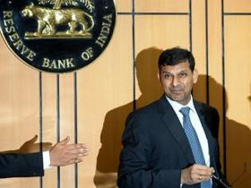 Raghuram Rajan's last memo on economy: Rate cut no magic cure but investment is