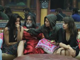Bigg Boss 10 Episode 11 27 October 2016: Swami Om and Monalisa are back in jail