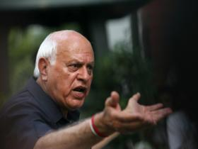 Farooq Abdullah's pro-Hurriyat line shows once again that dividing lines in Kashmir are only on paper