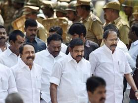 AIADMK merger fallout: Pressure mounts on Palaniswamy govt as Congress joins DMK to demand floor test
