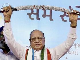 Shankersinh Vaghela's Congress exit will change Gujarat politics; former CM likely to pitch himself as third front