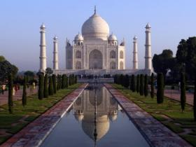 Taj Mahal missing from tourist map will cause 25% drop in tourists, caution experts