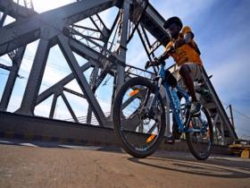 Cycling for change: Peter Ngugi's one-man quest to protest racism against Africans in India