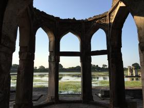 Relive the glory of Mandu's historic ruins with a 360-degree walkthrough