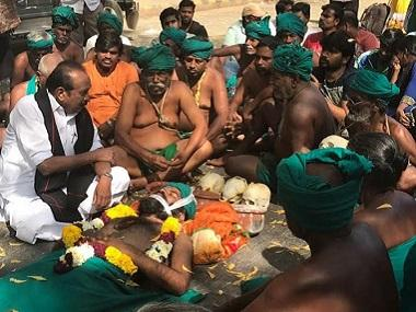 Tamil Nadu farmers protest in Delhi: Desperate to be heard, agitators turn to the macabre
