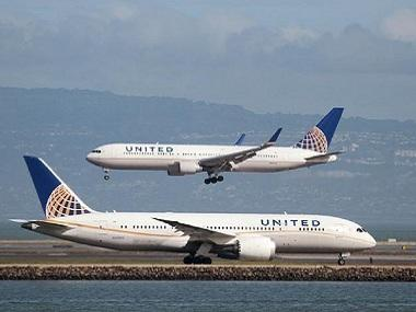 In damage control mode, United Airlines to offer passengers up to $10,000 to surrender seats