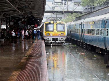 Mumbai rains LIVE updates: At least 13 BEST buses stranded in flooded areas, 82 breakdowns reported on Tuesday
