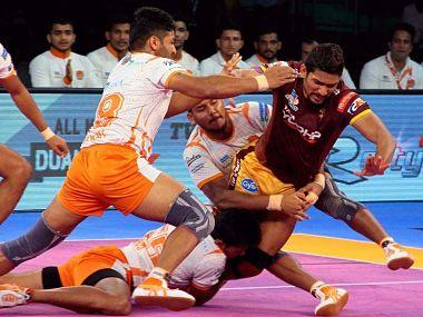 Pro Kabaddi League 2017, LIVE score and updates, UP Yoddha take on Puneri Paltan: Pune hold on to slender lead