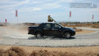 Preview: Isuzu D-Max V-Cross lifestyle pickup first look